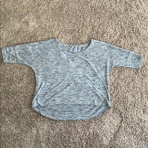 Gray quarter sleeve crop top